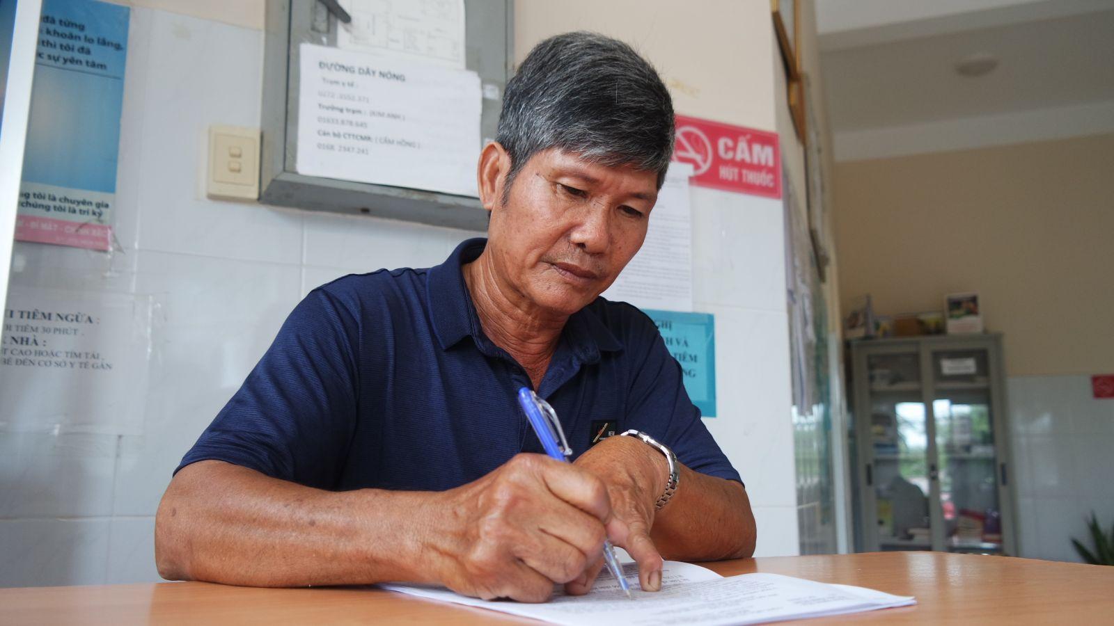 Nhờ có uy tín, sự nhiệt tình nên ông Nguyễn Văn Lâm được nhiều người dân tin tưởng