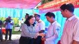 Đoàn công tác các tỉnh phía Nam thăm, tặng quà cán bộ, chiến sĩ Đảo Hòn Chuối