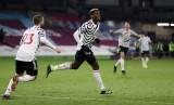 Pogba ghi bàn đưa MU lên đỉnh BXH Ngoại hạng Anh