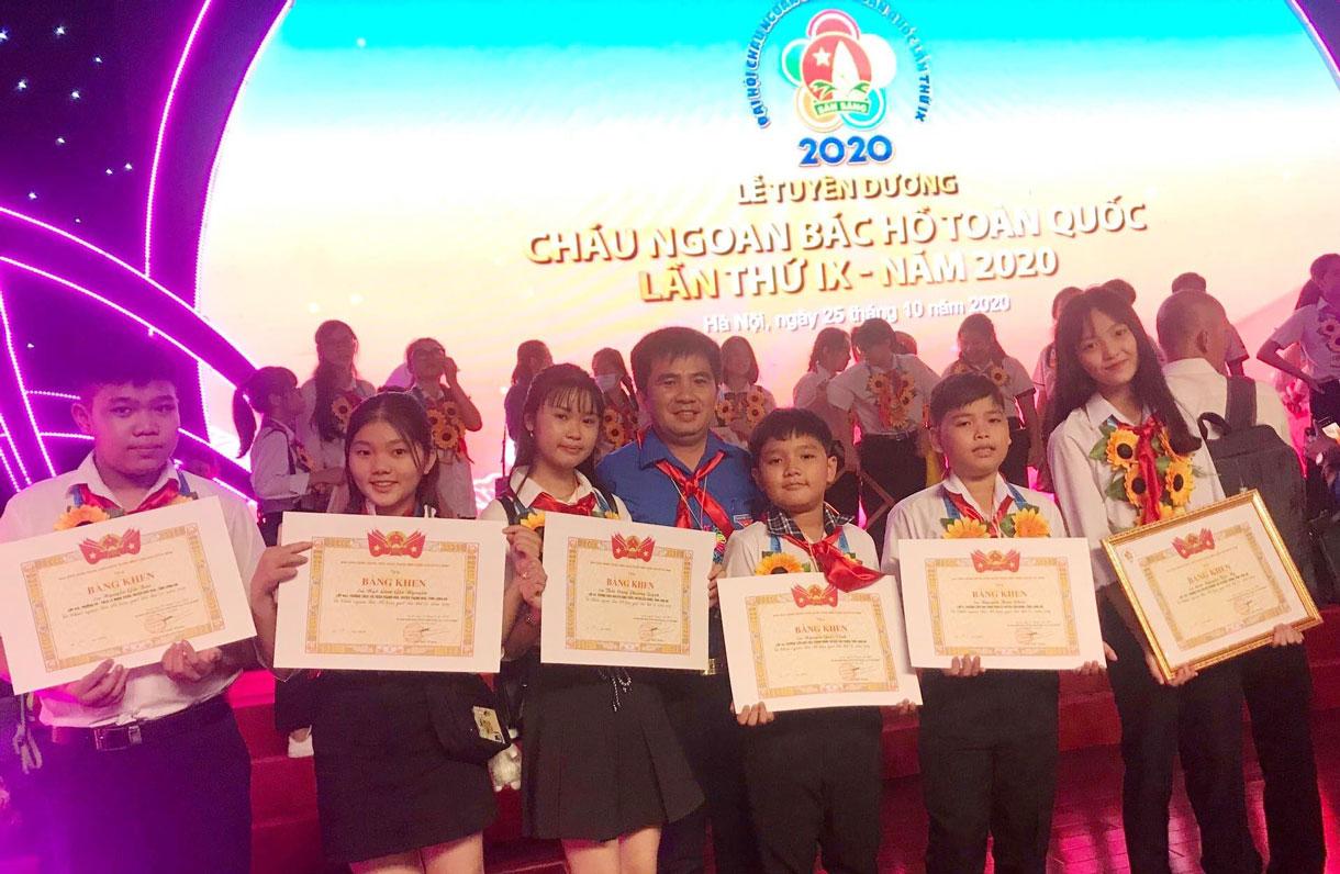 Ngô Lâm Gia Nguyên và các đội viên tiêu biểu của tỉnh tham dự  Đại hội Cháu ngoan Bác Hồ toàn quốc lần thứ IX, năm 2020