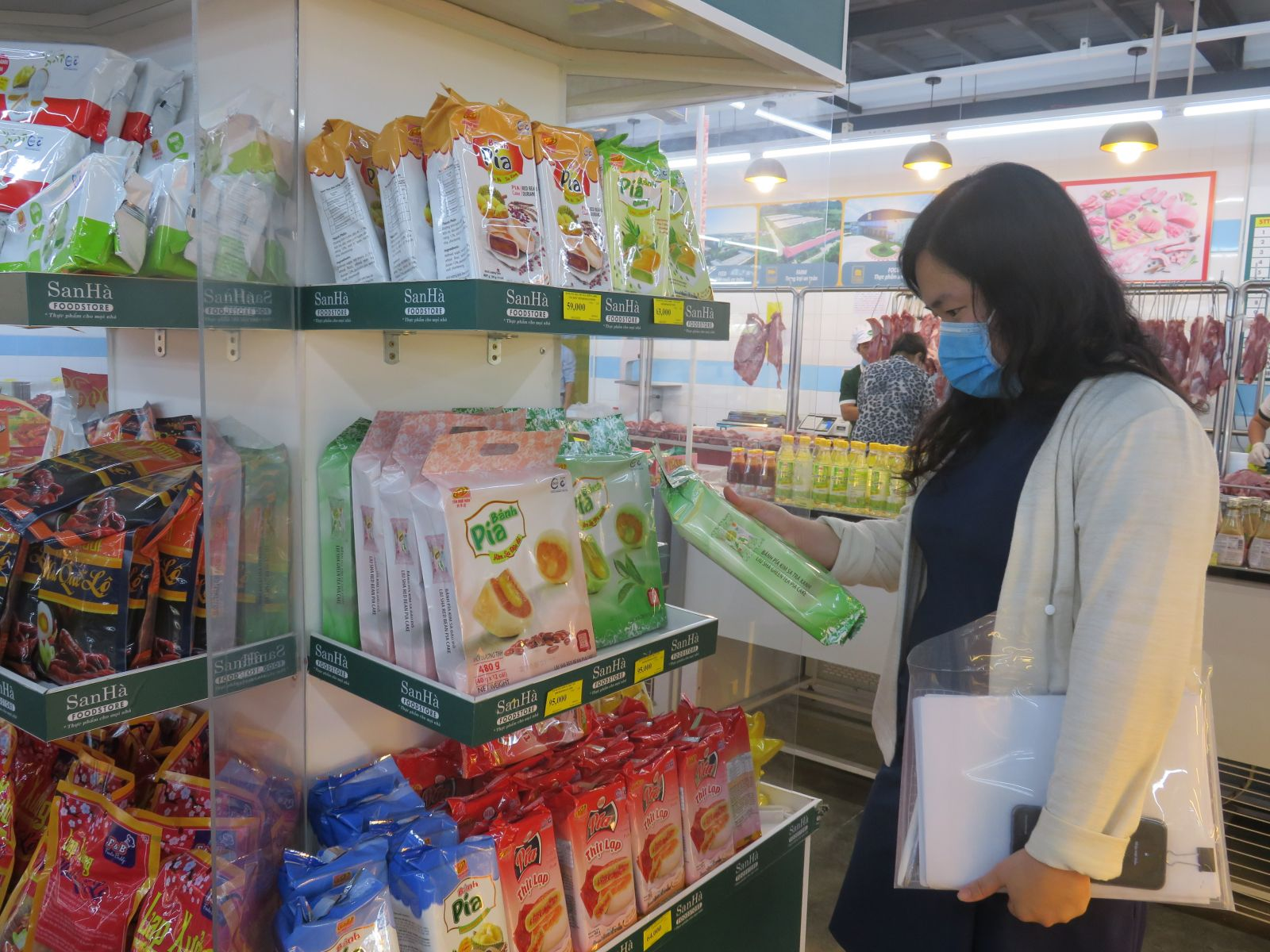 Goods for Tet and Vietnamese goods dominate at shops and supermarkets