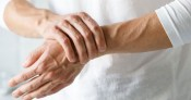Bệnh viêm khớp dạng thấp có nguy hiểm?