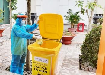 Long An thực hiện vệ sinh khu cách ly phòng, chống lây nhiễm Covid-19