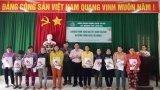 Ngân hàng Chính sách xã hội tỉnh Long An tặng 80 phần quà tết cho người nghèo
