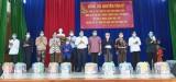 Chủ tịch UBND tỉnh Long An tặng quà tết cho đối tượng chính sách, người có hoàn cảnh khó khăn huyện Tân Trụ