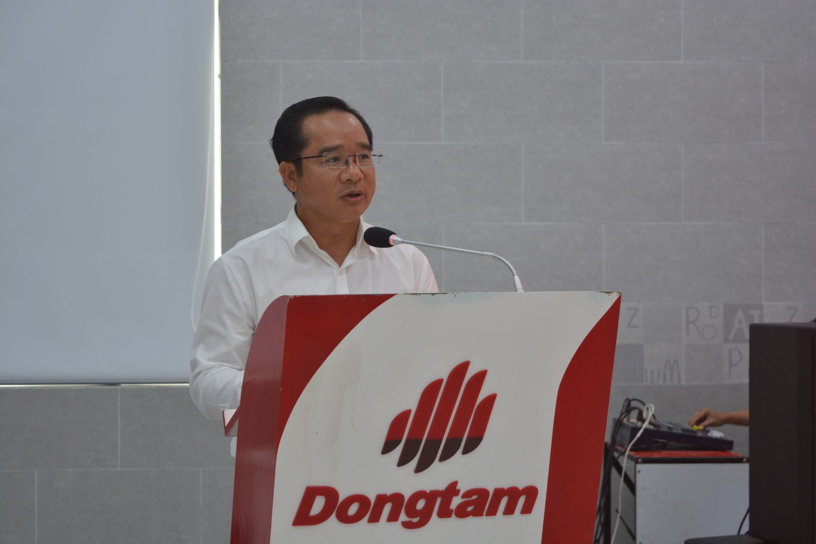 Secretary of the Provincial Party Committee, Chairman of the Provincial People's Council - Nguyen Van Duoc proposes to upgrade National Highway (NH) 62, NH N2