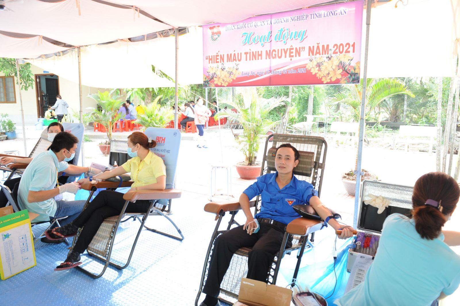 Phong trào hiến máu tình nguyện do Đoàn khối Cơ quan và Doanh nghiệp tỉnh phát động thu hút nhiều đoàn viên, thanh niên tham gia