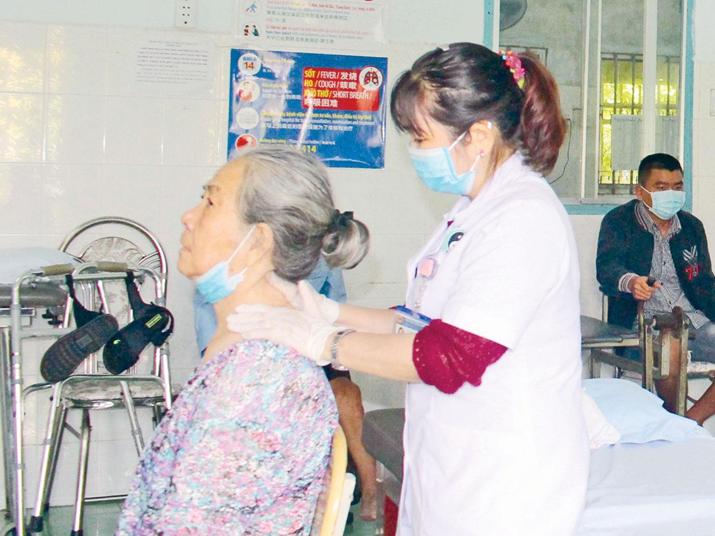 Việc điều trị thành công nhiều bệnh mạn tính, Bệnh viện Y học cổ truyền Long An trở thành địa chỉ khám chữa bệnh đáng tin cậy của nhiều người bệnh
