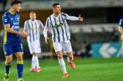 Ronaldo ghi bàn, Juventus vẫn hòa thất vọng Verona
