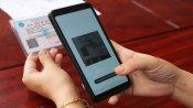 Sáng tạo của Bệnh viện Đa khoa Long An trong khai báo y tế điện tử quét mã QR trên thẻ BHYT