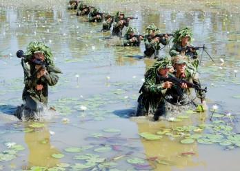 """Bản chất thâm độc của âm mưu đòi """"phi chính trị hóa"""" quân đội"""