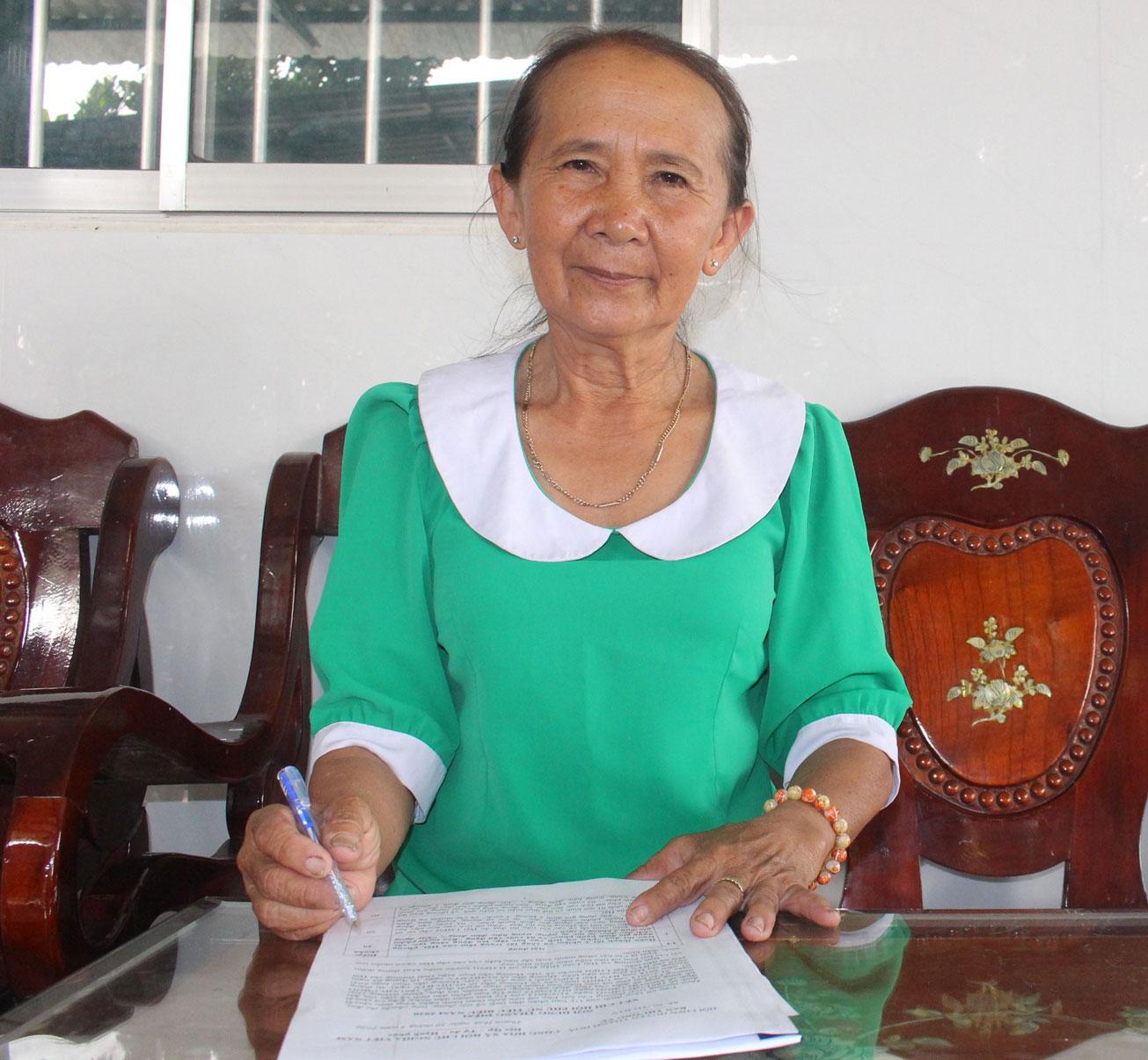 Chị Võ Thị Kim Loan luôn năng nổ, nhiệt tình và gương mẫu đi đầu trong các phong trào do địa phương phát động