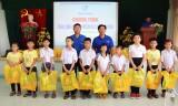 Thăm, tặng quà trẻ em tại Trường Nuôi dạy trẻ khuyết tật tỉnh Long An