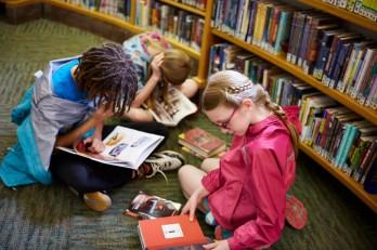 Làm thế nào để tạo thói quen đọc sách cho trẻ?