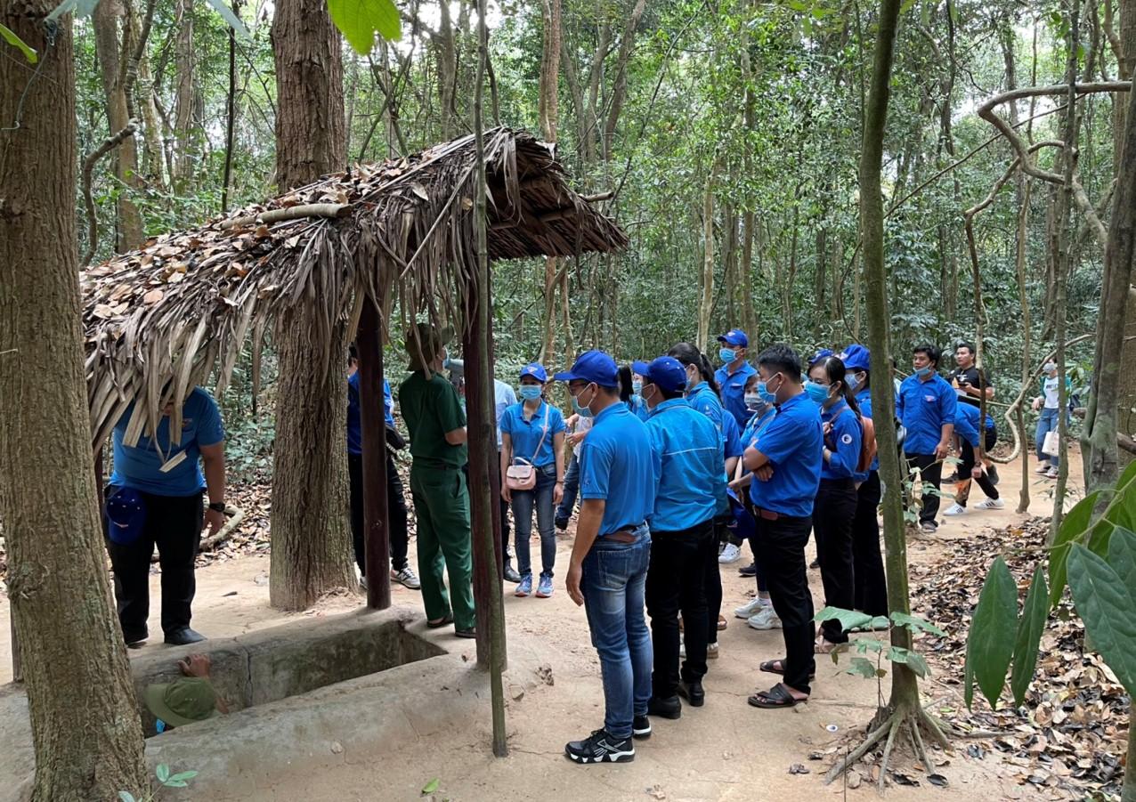Đoàn viên, thanh niên tham quan tại Đền Bến Dược, Củ Chi - TP.HCM