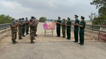 Long An: Nhiều đoàn gặp gỡ, chúc mừng Tết cổ truyền Campuchia