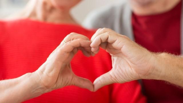 Ăn uống lành mạnh, tập thể dục thường xuyên, có lối sống lành mạnh... là những cách để bảo vệ trái tim của bạn. Ảnh minh họa: SHUTTERSTOCK