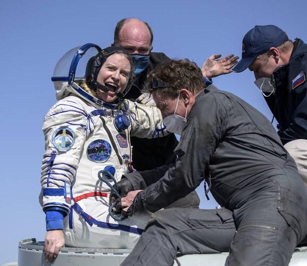 Nữ Tiến sỹ Kate Rubins trở về Trái đất. (Nguồn: NASA)
