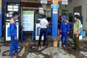 Tăng cường kiểm tra chất lượng xăng dầu