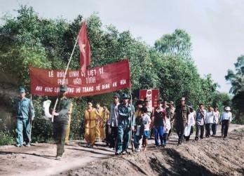Về Đình An Hòa Trung thăm Anh hùng Lực lượng vũ trang nhân dân