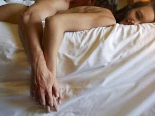 """Giấc ngủ giúp phụ nữ thăng hoa trong """"chuyện chăn gối"""""""