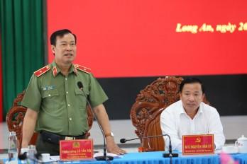 Thứ trưởng Lê Tấn Tới làm việc với Công an Long An