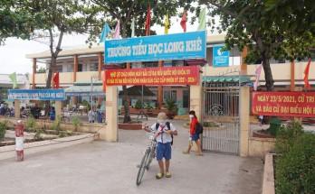 Cần Đước: Hiệu quả từ mô hình bảo đảm trật tự, an toàn giao thông trước cổng trường học