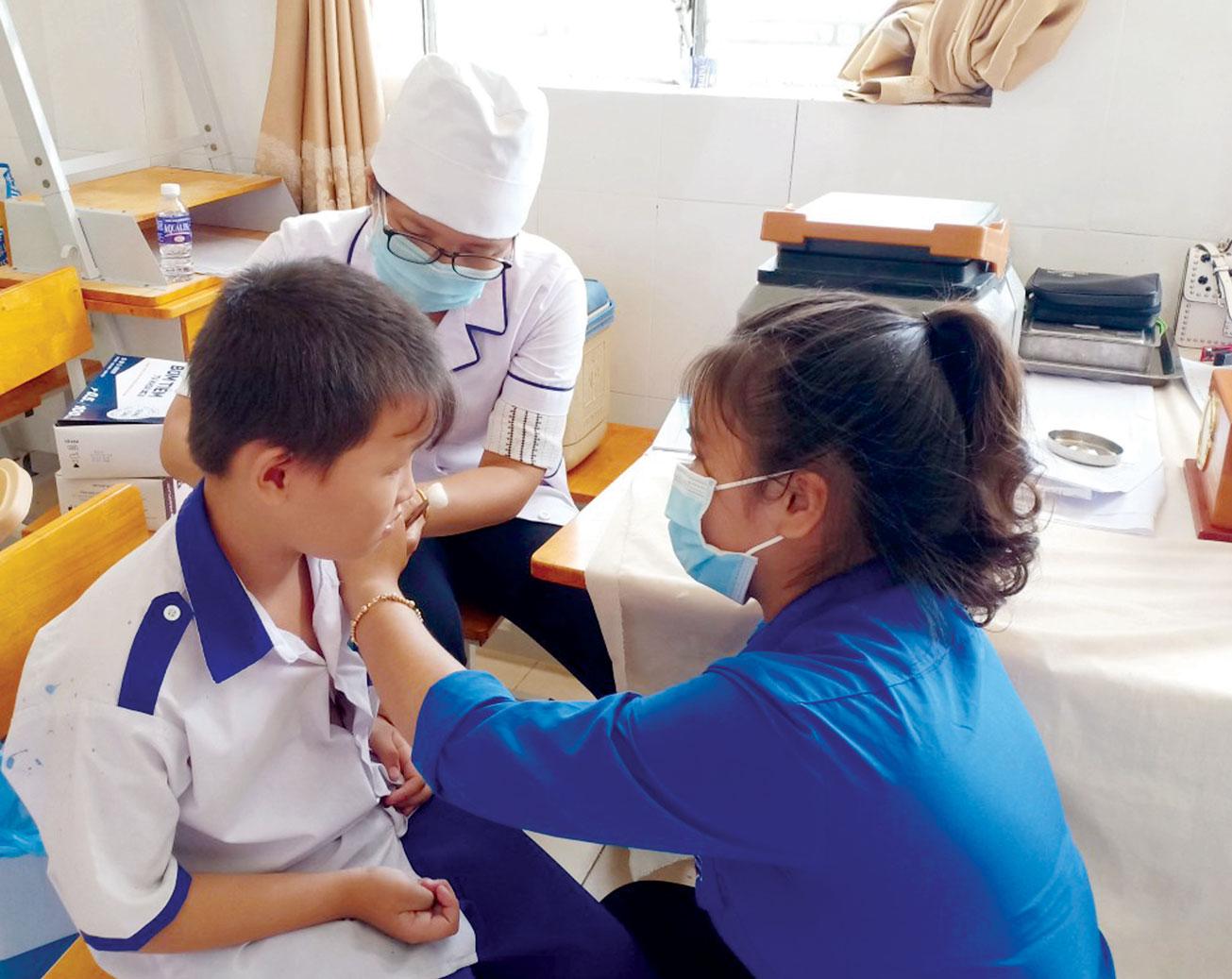 Công tác chăm sóc sức khỏe ban đầu cho  người dân Long Hiệp được quan tâm