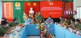 Thiếu tướng Lê Tấn Tới – Thứ trưởng Bộ Công an làm việc với Công an huyện Đức Huệ