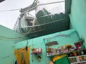 Vĩnh Hưng: Mưa dông làm sập và tốc mái 11 căn nhà