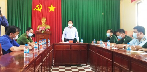 Vice Chairman of Long An People's Committee - Pham Tan Hoa inspects Covid-19 prevention, control at border area