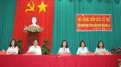 Ứng cử viên đại biểu Quốc hội tiếp xúc cử tri huyện Thạnh Hóa