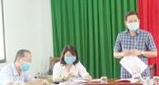 Phó Chủ tịch HĐND tỉnh - Mai Văn Nhiều kiểm tra công tác bầu cử tại huyện Đức Hòa