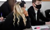 """CDC Mỹ """"sửa sai"""", khuyến cáo các trường học vẫn nên sử dụng khẩu trang"""