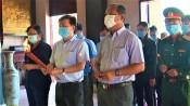 Phó Bí thư Thường trực Tỉnh ủy thắp hương tại Đền thờ Anh hùng dân tộc Nguyễn Trung Trực và Miễu ông Bần Quỳ