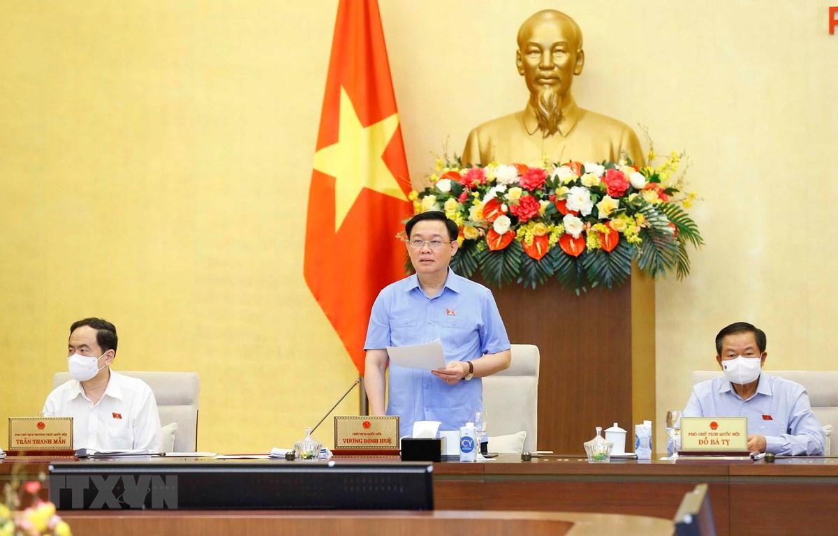 Chủ tịch Quốc hội Vương Đình Huệ phát biểu kết luận Phiên họp. (Ảnh: Doãn Tấn/TTXVN)
