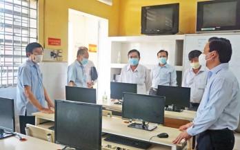 Nguyên Chủ tịch nước - Trương Tấn Sang thăm các trường THPT trên địa bàn huyện Bến Lức
