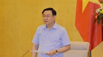 Chủ tịch Quốc hội: Đẩy nhanh chiến lược vaccine và coi trọng đảm bảo kinh tế vĩ mô